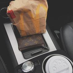 """""""Mi piace"""": 79, commenti: 3 - Pietro Gialdini (@pietrogialdini) su Instagram: """"My fucking breakfast"""""""