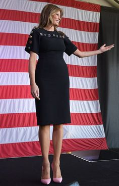 Melania Trump First Lady Wardrobe Fashion PR Backlash Milania Trump Style, Casual Dresses, Fashion Dresses, First Lady Melania Trump, Trump Melania, Royal Fashion, Classy Women, Office Outfits, Her Style