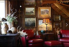 You know we love a swoon-worthy rustic cabin. This is High-Castle in Idyllwild, CA. In 1928 this Hunting Lodge had Clark Gable in Residence. Hunting Lodge Interiors, Hunting Lodge Decor, Cabin Interiors, Rustic Lodge Decor, Hunting Cabin, Vintage Interiors, Lodge Style Decorating, Adirondack Decor, Log Cabin Living
