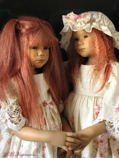 2006 Tikiri: it was not uncommon for collectors to get 2 of one doll so they could have twins. This was my only set if twins.