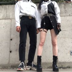 Image about girl in ulzzang couples; Mode Grunge, Grunge Style, Fashion Week, Fashion Outfits, Women's Fashion, Fashion Images, Matching Couple Outfits, Korean Street Fashion, Looks Cool