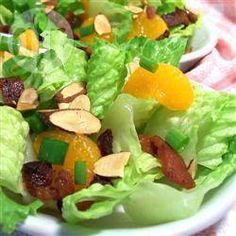 Almond Mandarin Salad Recipe is part of Mandarin salad - Sweet mandarin oranges, crunchy almonds, fresh green onion, and crispy bacon are all tossed together with red leaf lettuce and a light honey mustard vinaigrette Oh, so good and refreshing Enjoy! Mandarin Orange Salad, Sweet Mandarin, Mandarin Oranges, Honey Mustard Vinaigrette, Vinaigrette Dressing, Cooking Recipes, Healthy Recipes, Healthy Cooking, Crockpot Recipes