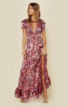 Choose your style and length for a Bohemian Maxi Dress from Planet Blue. Does a Midi or a slip dress suit your style? Maxi Dress With Sleeves, Short Sleeve Dresses, Cap Sleeves, Nice Dresses, Summer Dresses, Maxi Dresses, Slip Dresses, Evening Outfits, Leopard Dress