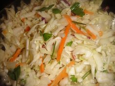 (Slightly) Tangy Coleslaw Recipe Tangy Coleslaw Recipe, Homemade Coleslaw, Gluten Free Desserts, Gluten Free Recipes, Best Bbq Recipes, Low Fat Low Carb, Coleslaw Dressing, Easy Potato Salad, Lunch To Go