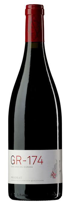 GR-174 de Casa Gran del Siurana. DOQ Priorat. Cabernet Sauvignon, Expensive Champagne, Wine Label Design, Spanish Wine, Veuve Clicquot, Wine Packaging, Champagne Bottles, Wine Time, Wine And Beer