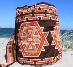 Have a great Weekend! Crochet Handbags, Crochet Purses, Mochila Crochet, Tribal Bags, Tapestry Crochet Patterns, Tapestry Bag, Boho Bags, Lion Brand Yarn, Handmade Handbags