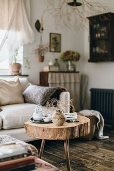 Some current pictures of our paler living space, to combat winter in the UK we have settled a lighter interior to brighten the darkest seasons. Simple Interior, Interior Design, Bedroom Ceiling, Modern Rustic, Modern Bohemian, Rustic Chic, Boho Chic, Linens And Lace, Slow Living
