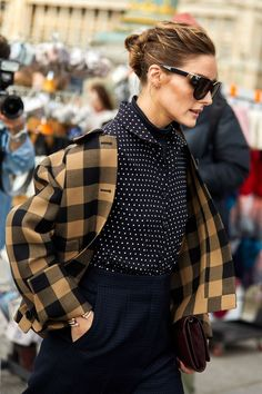 Street style: Our favorite looks from Paris Fashion Week Fall/Winter - Page 7 Estilo Olivia Palermo, Olivia Palermo Style, Look Street Style, Street Style Looks, La Fashion Week, Look Fashion, Fashion Weeks, Fashion Outfits, Cool Street Fashion