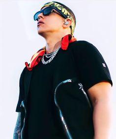 Zapatillas Jordan Retro, Daddy Yankee, Singers, Horror, Boss, Wallpaper, Celebs, Wallpapers, Singer