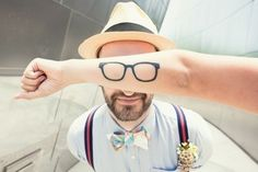 Tatoo glasses - Saw it while looking for a holiday gift. 1000 Tattoos, Funny Tattoos, Cool Tattoos, Arm Tattoos, Makeup Tattoos, Temporary Tattoos, Hipsters, Ink Tatoo, Glasses Tattoo