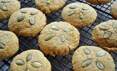 Biscuiți Pentru Slăbit Pumpkin Recipes, Fall Recipes, Great Recipes, Vegan Recipes, Vegan Pumpkin Cookies, Dessert Recipes, Desserts, No Cook Meals, Sweets