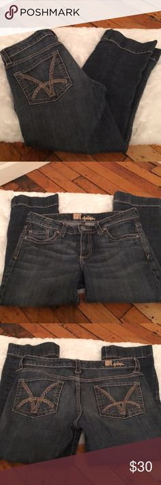 """Kit from the Kloth Capri Jeans Medium/Dark wash Capri jeans. Size 2 approximately 22"""" inseam. Excellent used condition. Pet free smoke free home. No trades. Kut from the Kloth Jeans Ankle & Cropped"""