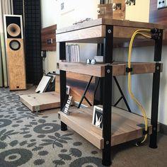 Hifi Regal, Diy Rack, High End Hifi, Sound Studio, Real Wood, Drafting Desk, Timeless Design, Crossover, Plank