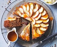 Toffee Apple Cake; a perfect autumnal treat #recipe #baking #autumn