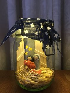 christmas scenes Krippe im Glas - Nativity Crafts, Christmas Nativity, Christmas Crafts For Kids, Christmas Projects, Kids Christmas, Holiday Crafts, Christmas Gifts, Christmas Decorations, Christmas Ornaments