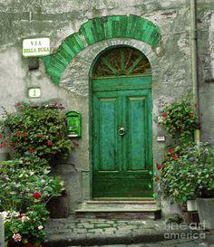ZsaZsa Bellagio - Green Portal Beauty