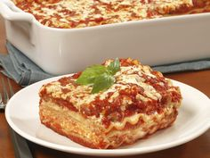 Looking for a delicious lasagna recipe? This step-by-step recipe for Beef Lasagne with Creamy Marinara Sauce uses Barilla's Oven-Ready Lasagne noodles. Barilla Recipes, Classic Lasagna Recipe, Lasagna Recipe With Ricotta, Easy Lasagna Recipe, Pasta Salad Recipes, Lasagna Recipes, Cooking Recipes, Pasta Recipes, Pastries