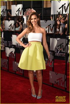 Jessica Alba wearing Jimmy Choo Abel Black and White Woven Pointed Toe Pumps Piece d'Anarchive tube top Kenzo high-waist skirt