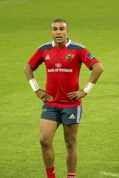 Simon Zebo Munster Rugby, Rugby Players, Wetsuit, Eye Candy, Studs, Guy, Scuba Wetsuit, Diving Suit, Stud Earring