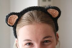 Learn how to make crochet Bear Ears with this tutorial by Zween.