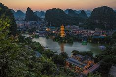 Guilin is a small remote city that has amazing landscapes and a beautiful cityscape. I've always wanted to stay here for a week or two to admire the beauty it has to offer.
