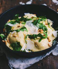 Raviolis maison à la poire, ricotta, bette à carde et shiitake
