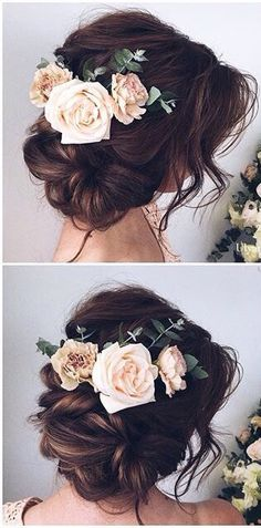Hot trend of 2018: wearing #flowers in your #weddinghair instead of a veil.