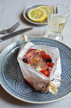 Lazy cooking: Parchment baked salmon mediterranean style / Fisch für Faule: Medeterraner Lachs im Pergamentpäckchen