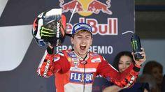 IL podio di Jerez ha mostrato uno spiraglio di luce. Qual'è la situazione di Ducati in MotoGP? Il weekend del gran premio di Spagna, appena terminato, ha mescolato notevolmente le carte del mazzo. Yamaha, che era considerata la moto migliore del lotto, ha sofferto pesantemente, con Vinales ses