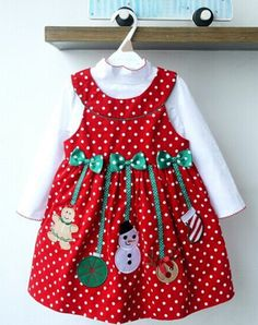 Cute Turtle Neck Solid Color T-Shirt + Sleeveless Polka Dot Cartoon Spliced Bowknot Embellished Dress Christmas Suits For Girl