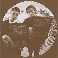 #Supernatural. I think I might hyperventilate if I saw this through my peephole.