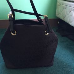 MK purse Perfect condition! Maybe used three times! Michael Kors Bags Shoulder Bags