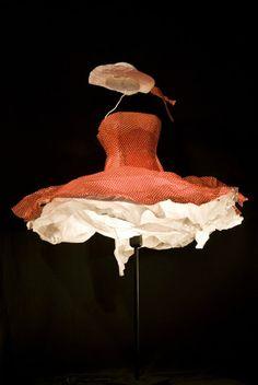 sculpted-paper-dress