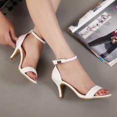 Купить товар Новое поступление горячая распродажа летняя обувь пальца ноги щели сладкие мода женские сандалии тонкий каблук туфли на высоком каблуке принцесса высокие каблуки женская обувь в категории Сандалии на AliExpress. ДЕТАЛИ ПРОДУКТА Тепло Добро пожаловать в наш магазин Вы можете смешать все элементы из моего маг