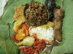 Nasi Jamblang Cirebon. These foods should be served and enjoyed over the leaves of teak. It was second to none ....