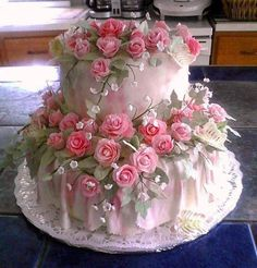 "Find and save images from the ""Beautiful Cakes Pt. collection by on We Heart It, your everyday app to get lost in what you love. Beautiful Wedding Cakes, Gorgeous Cakes, Pretty Cakes, Cute Cakes, Amazing Cakes, Pink Rose Cake, Pink Roses, Pink Flowers, Cake Flowers"