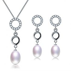 set bijuterii cu perle http://www.bijuteriifrumoase.ro/cumpara/set-bijuterii-special-3580