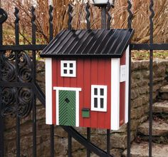 Wildlife Gardens designer post boxes are built to match your own cottage. Our weatherproof wooden mailboxes come in four traditional colours to suit any garden. Buy your red mail cottage in our online shop or locate your nearest retailer. Post Box Designs, Box House Design, Wooden Mailbox, Design3000, Wooden Posts, Garden Deco, Box Houses, Cottage, Modern Farmhouse