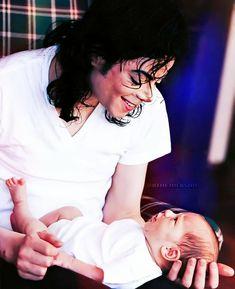 Michael Jackson Born, Mike Jackson, Paris Jackson, Mj Kids, The Jacksons, Oprah, American Singers, Dancer, King