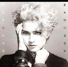 De MDNA a Madonna: Relembre as capas dos discos da Rainha do Pop...