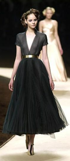 Chanel elegance, very pretty!!