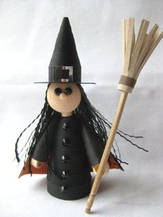 Paper Quilling Witch for Halloween or kitchen