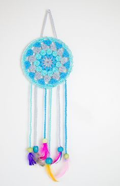 How To Make Your Own Crochet Dream Catchers Cute Crochet, Crochet Crafts, Crochet Projects, Knit Crochet, Sewing Projects, Make And Sell, Make Your Own, Make It Yourself, How To Make