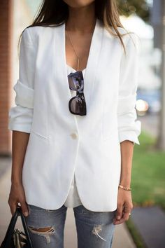 How to wear white jeans stylish outfits casual 66 Trendy ideas Fashion Mode, Look Fashion, Womens Fashion, Fashion Trends, Nail Fashion, Fashion 2020, Curvy Fashion, Street Fashion, Spring Fashion