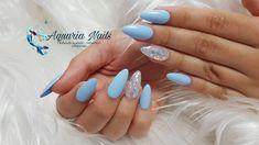 """41 mentions J'aime, 0 commentaires - Aquaria Nails (@aquarianails) sur Instagram: """"Bonjour En ligne, nouvelle vidéo pour voir comment poser vos press on nails. Lien de ma chaîne dans…"""" Aquarium Nails, Instagram, Beauty, Bonjour"""