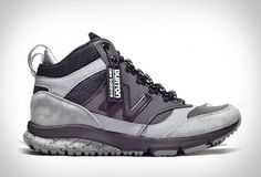 New Balance has teamed up with Burton for a limited-edition line of street-to-snow footwear. They have reimagined the popular NB sneakerboot silhouette for wintertime pursuits. The stylish and functional Vazee - Ion shoes draw inspiration Sports Footwear, Sports Shoes, Sneaker Boots, Sneakers Sketch, Moda Sneakers, Kicks Shoes, New Balance Shoes, Sneakers Fashion, Casual Shoes