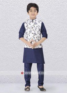 Kids Indian Wear, Kids Ethnic Wear, Indian Boy, Wedding Kurta For Men, Boys Wedding Suits, Stylish Waistcoats, Kids Wear Boys, Boys Kurta Design, Baby Boy Dress