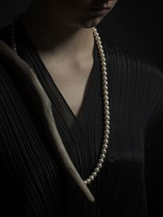 Linda van Niekerk Neckpiece: Nature, Nurture 2013 Tasmanian Wilderness Driftwood and cultured pearls