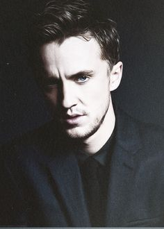Find images and videos about sexy, blue and handsome on We Heart It - the app to get lost in what you love. Tom Felton, Draco Harry Potter, Harry Potter Movies, Draco Malfoy Imagines, Youtubers, Dramione, Star Wars, Cute Boys, Hogwarts