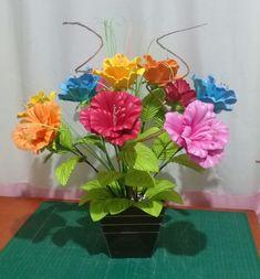 Arte Floral, Diy Flowers, Glass Vase, Plants, Home Decor, Diy And Crafts, Crochet Flowers, Artificial Flowers, Flower Arrangements